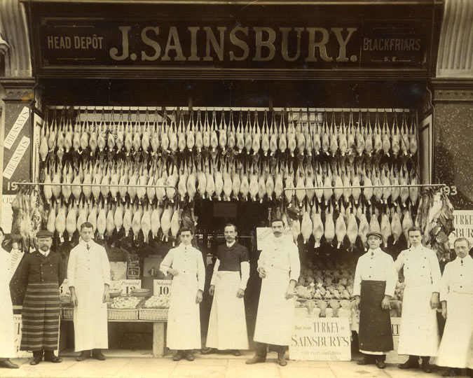 Plucked Christmas fowl outside a Sainsbury's, 1902-25.