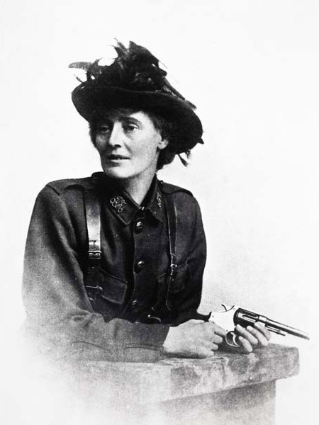 Photographic postcard of the Countess Markievicz wearing the uniform of the Irish Citizen Army.