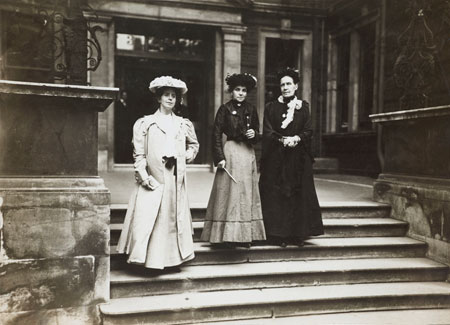 The first Suffragettes imprisoned in Holloway.