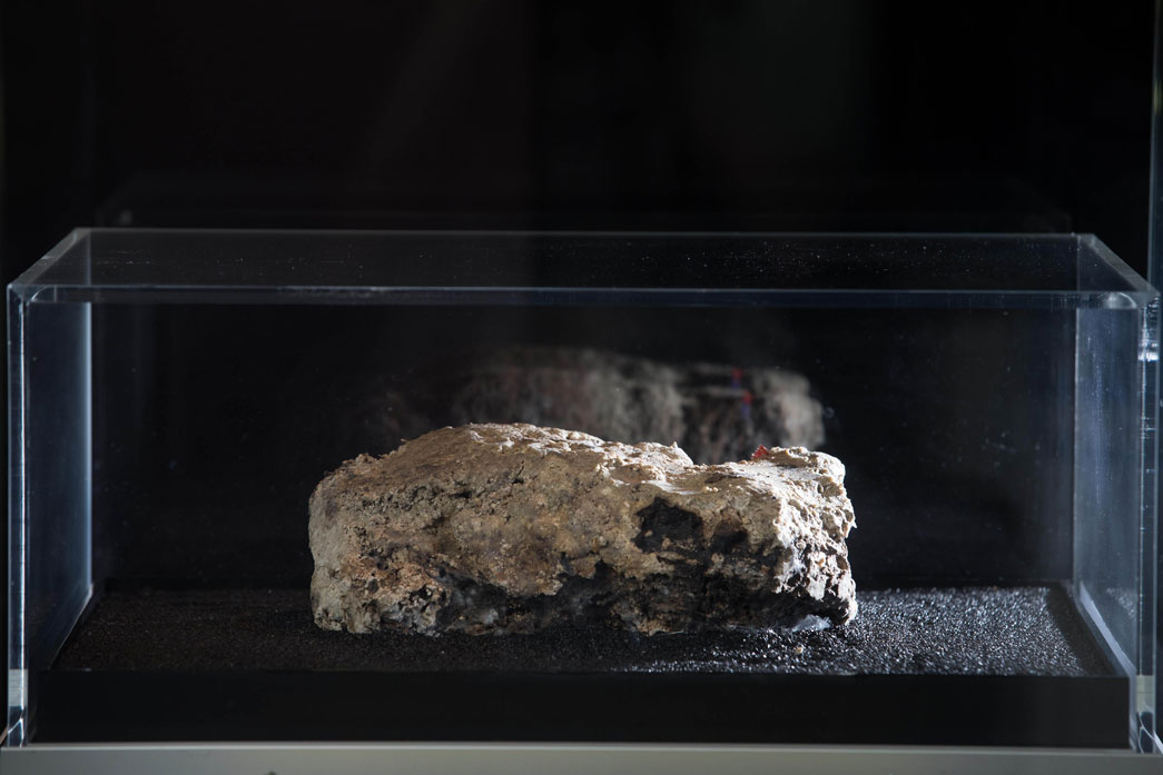 Image of Fatberg on its 14th day of display at the Museum of London.