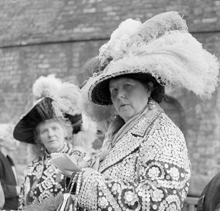 Henry Grant photograph of a Pearly queen