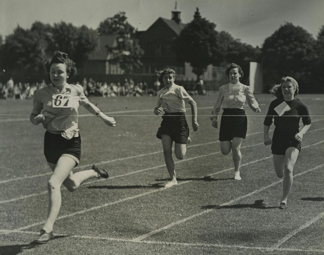 Employees of Sainsbury's practice running at a sports club in Dulwich. Copyright Sainsbury Archive/Museum of London.