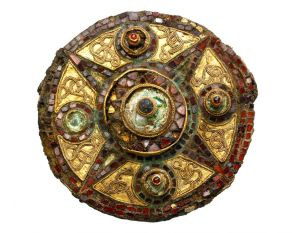 med-golden-garnet-brooch.jpg