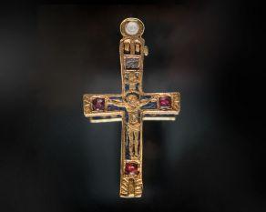 med-gold-crucifix.jpg