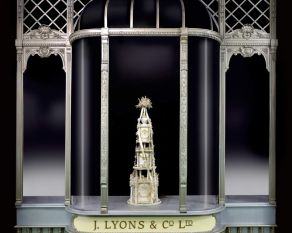 Facade of the Lyons corner shop on display in the Museum of London People